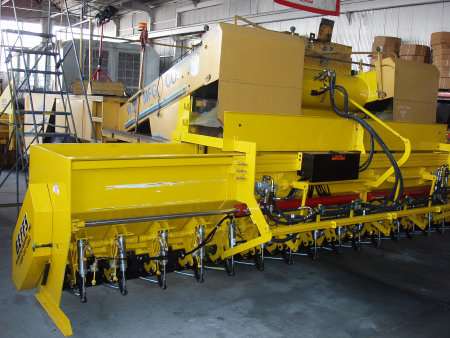 image of geffs chip spreader expandable hopper
